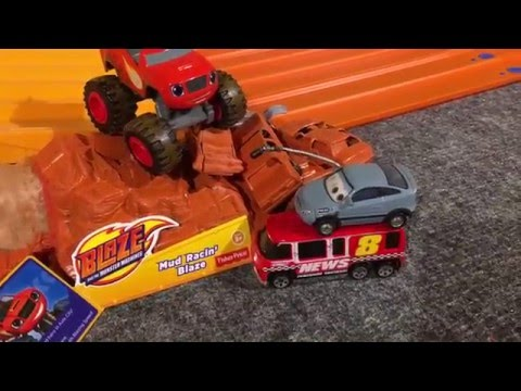 "2016 HOT WHEELS MONSTER TRUCK KING OF THE HILL #2 ""the Race"""